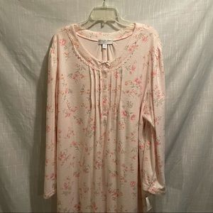Miss Elaine night gown NWT